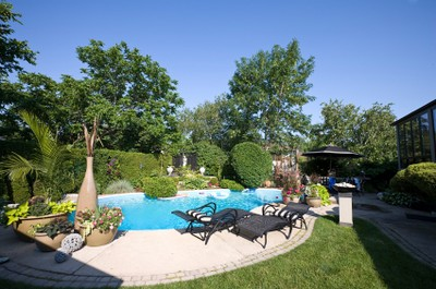 swimming pool landscaping Backyard Swimming Pools